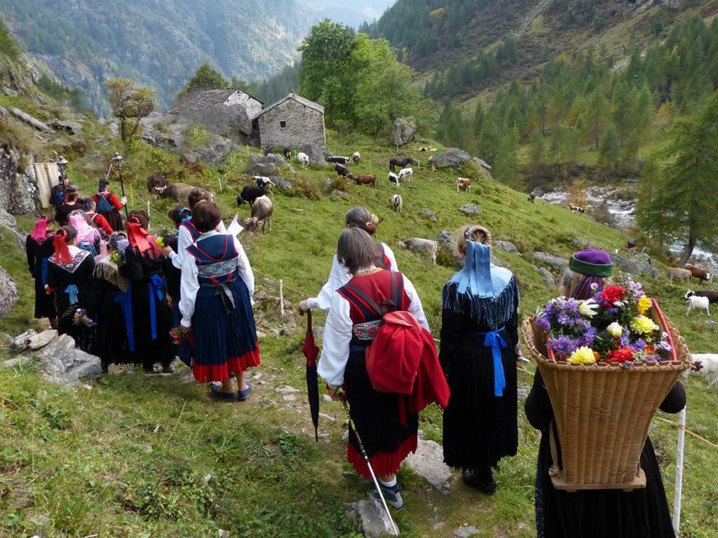 Leggende canti e tradizioni