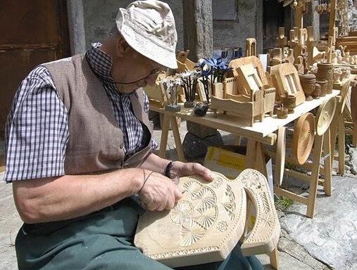 Ernesto: oggetti in legno