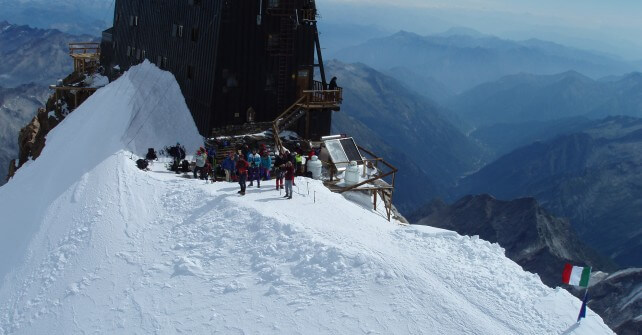 Estate al rifugio Margherita sul Monte Rosa