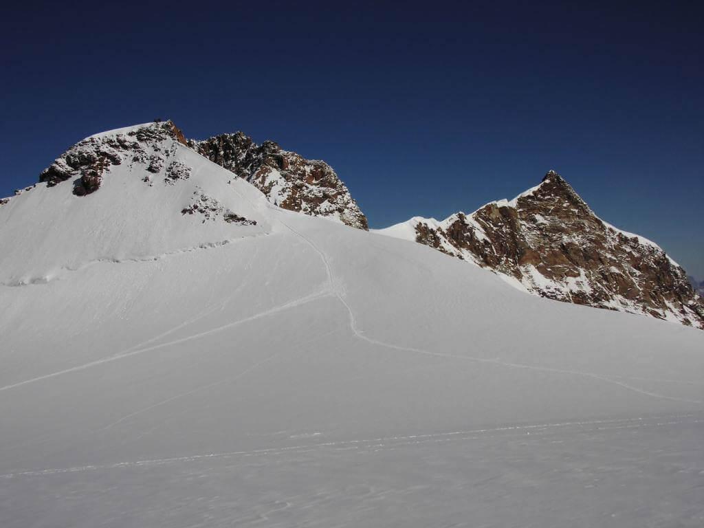 Ufficio Guide Monte Rosa : Monte rosa normale sci alpinistica u global mountain