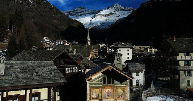 FROM THE CRISTALLO TO CASA SMITT: 5 HISTORIC HOTELS IN ALAGNA