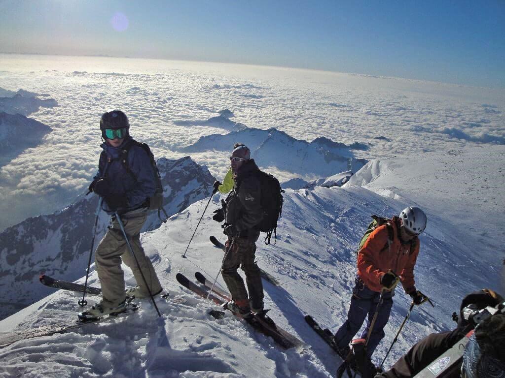 Free Ski for snow enthusiasts -