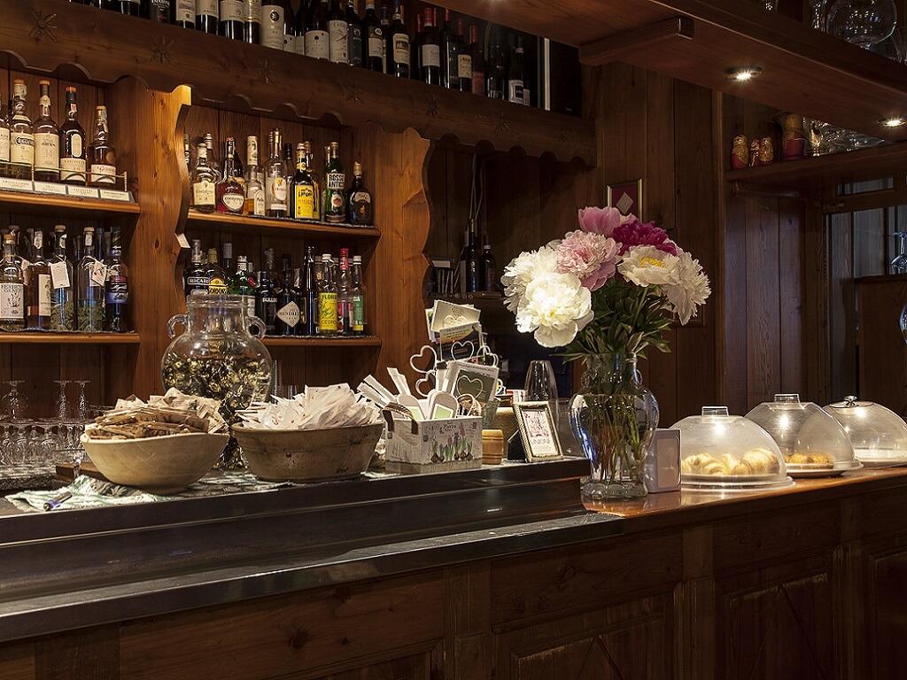 Restaurant Unione +39 0163 922930
