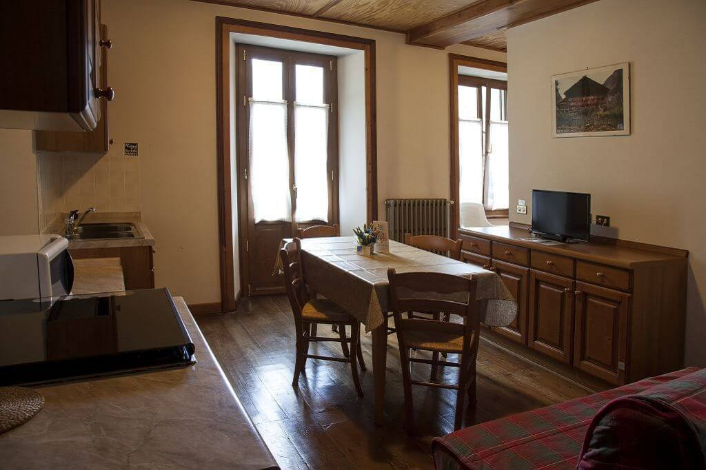alagna valsesia single personals Mirtillo rosso family hotel,  jun 30 mirtillo rosso family hotel alagna valsesia, italy  single moms and dad we have a special offer for you.