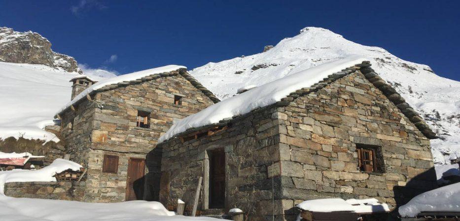 Baita alagna with direct access to ski slopes
