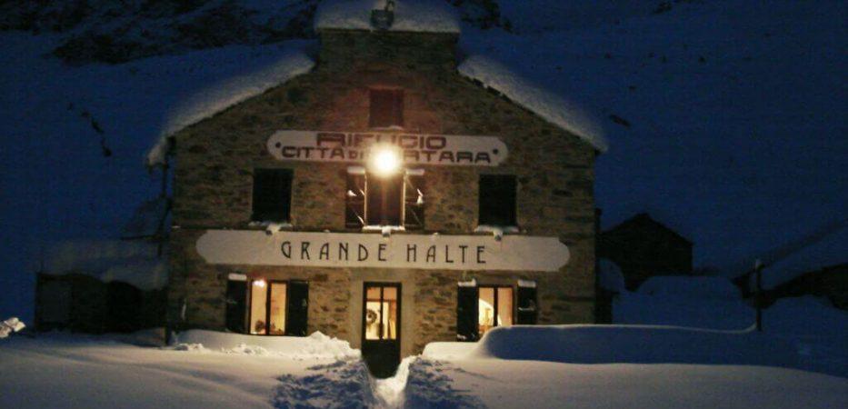 grande halte: hotel alagna with direct access to ski slopes