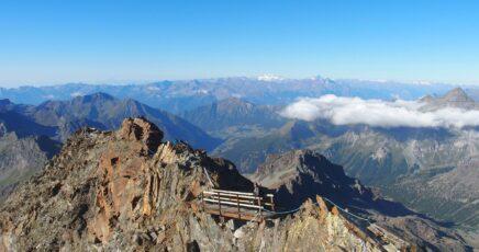 Ascent to Castore